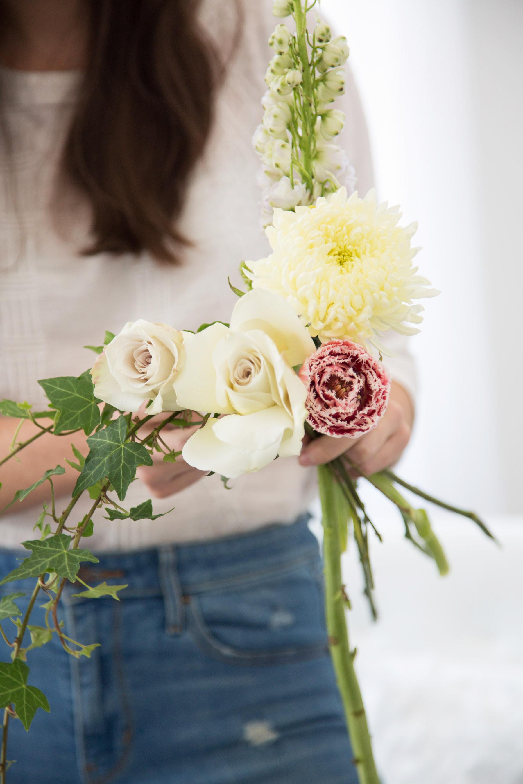 barrie flowers, barrie floral workshop, barrie social project, barrie social media, social media strategist, creative collaboration, barrie photography, shannon bellisle, forgather floral co, jennifer klemetti, handmade flower arrangement